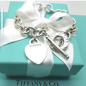 Authentic TIFFANY & CO Heart Toggle Bracelet
